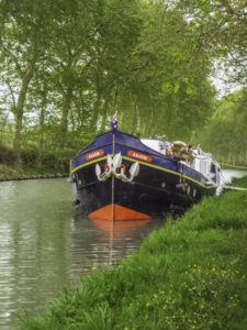 The floating gourmet, historicCanal barge, barge Anjodi, Canal du Midi, Toulouse, France