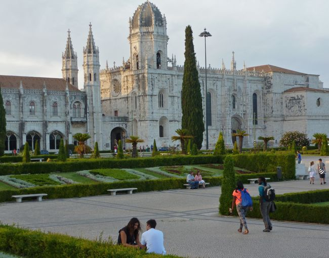 Monastery of Jeronimos in the Belém neighborhood in Lisbon, Portugal, love affair with a tart