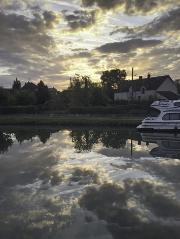 Sunrise on the Loire Canal, Floating the Loire Canal on the Renaissance Barge, Burgundy, France