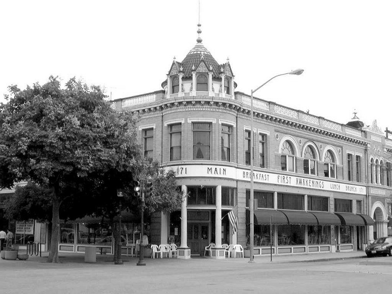 In Steinbeck's time a former Bank at 171 Main Street, Something to do in Salinas, California