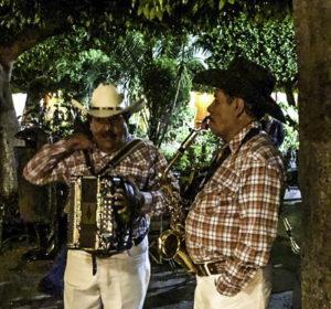Entertainment in the Jardin, Guanajuato, Mexico