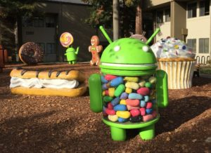 Android figures outside the Google Merchandise Store